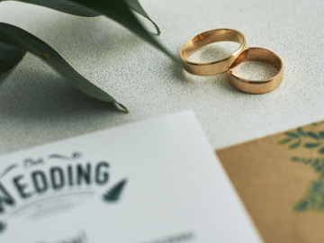 スマホ完結!LINEで送れる結婚式Web招待状の人気サービスまとめ
