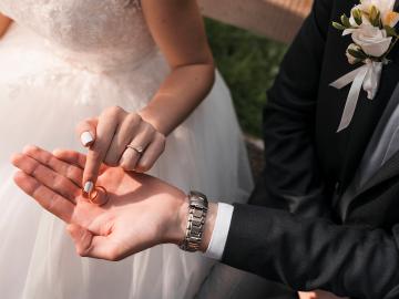 結婚式で使えるドラマの名曲リスト!知名度の高さが魅力のおすすめBGMをご紹介
