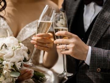 【厳選】結婚式を盛り上げる楽曲リスト!みんなでハッピーに披露宴を楽しみたいならこれ!